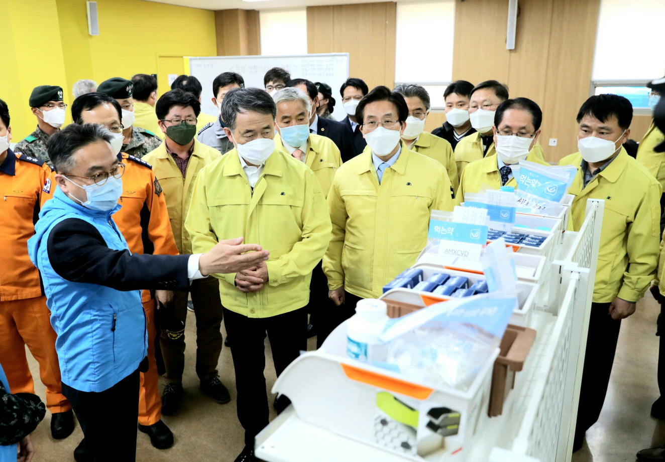 Park Neung-hoo, Vice Head 1 of the Central Disaster and Safety Countermeasures Headquarters, Attends the Opening Ceremony of the Gyeongbuk Daegu 3 Community Treatment Center (Mun-gyeong Seoul National University Hospital Training Center)6