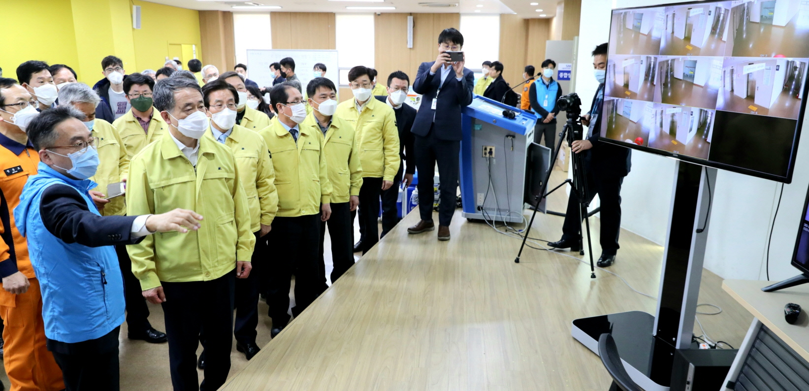 Park Neung-hoo, Vice Head 1 of the Central Disaster and Safety Countermeasures Headquarters, Attends the Opening Ceremony of the Gyeongbuk Daegu 3 Community Treatment Center (Mun-gyeong Seoul National University Hospital Training Center)7