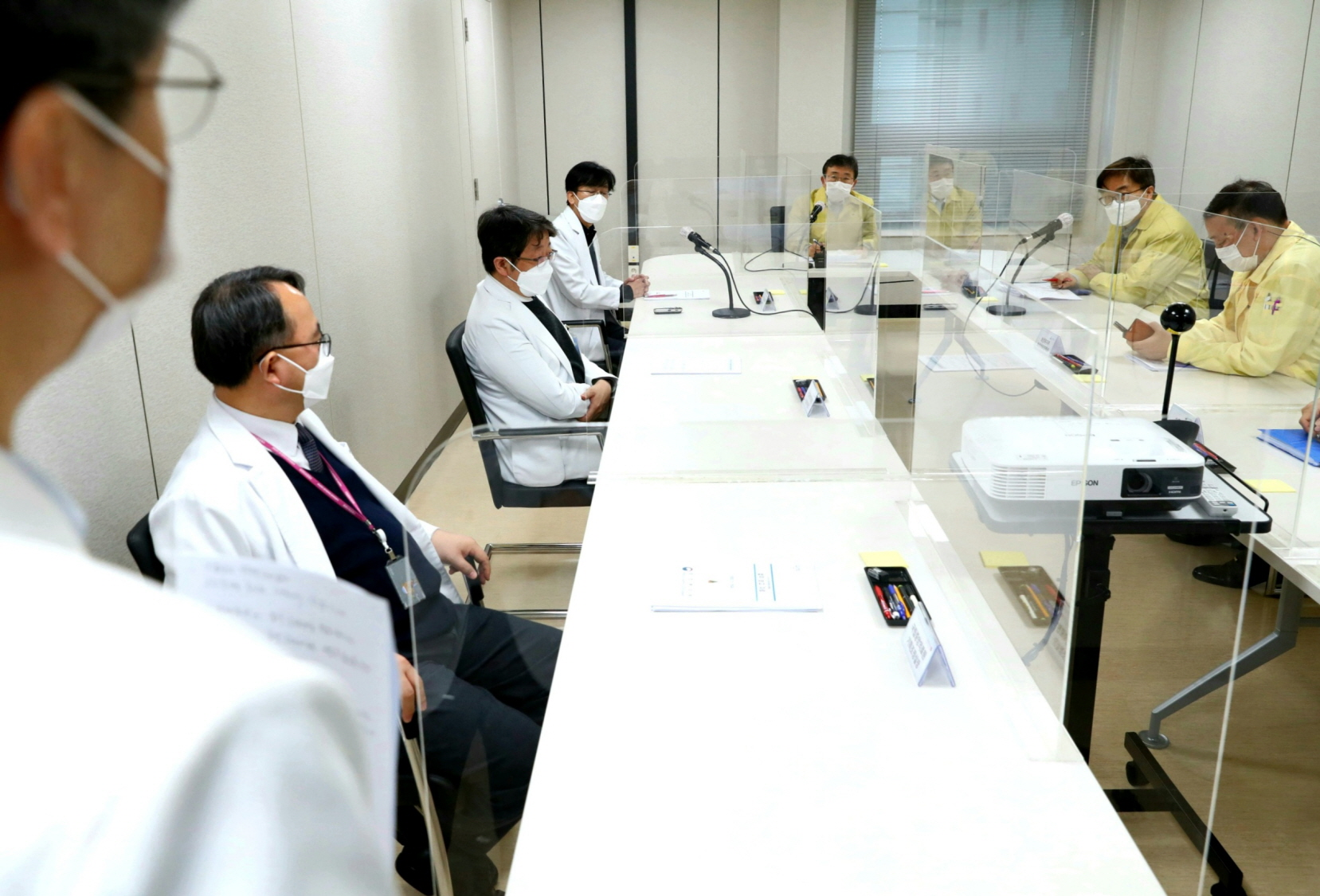 Minister Kwon Visits Joint Situation Room in Seoul Area13