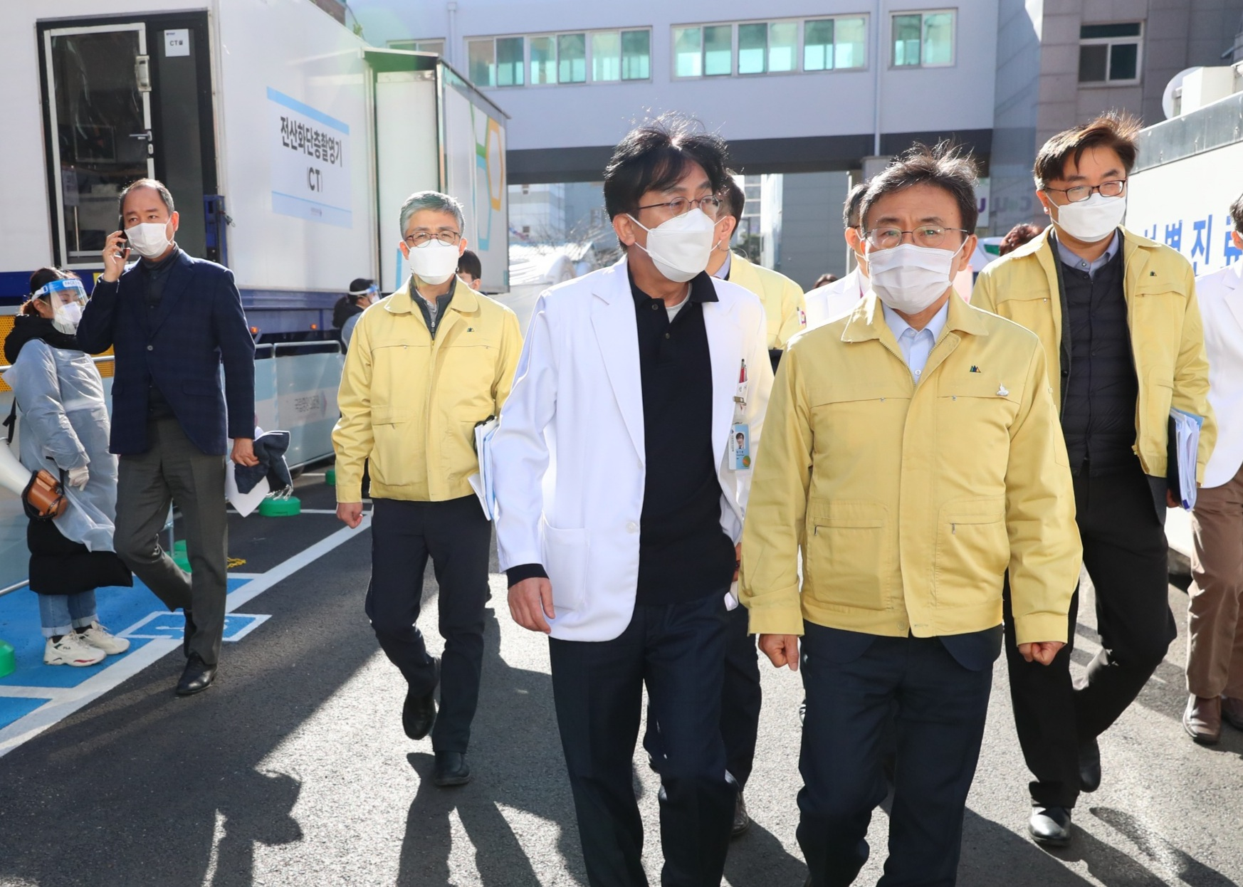 Minister Kwon Visits Joint Situation Room in Seoul Area14